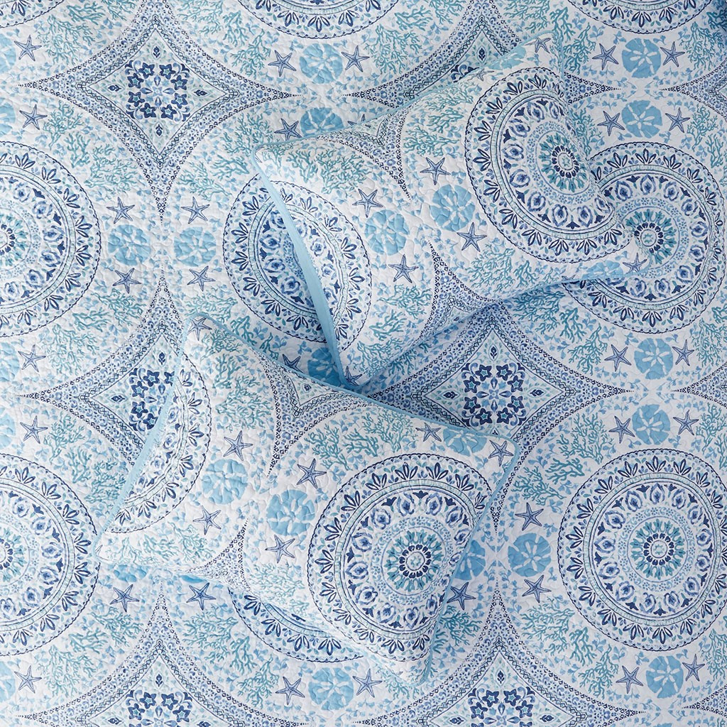 Summer Breeze 3-Piece Quilted Coverlet Set - Queen Size close up 2