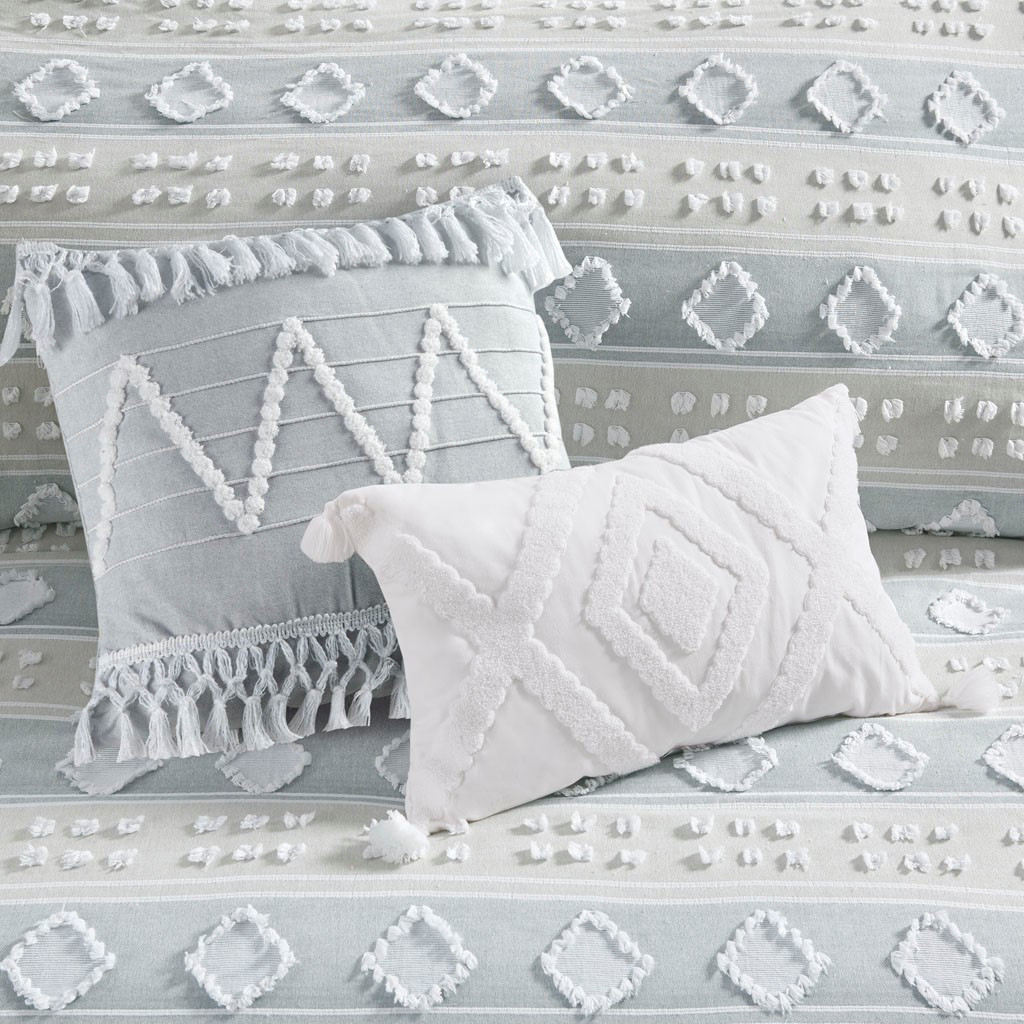 Belvedere 6-Piece Tufted Jacquard Queen Comforter Set close up view