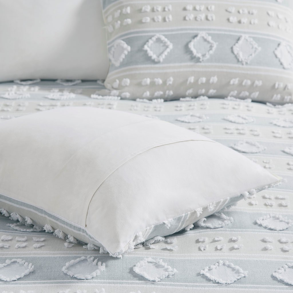 Belvedere 6-Piece Tufted Jacquard Queen Comforter Set close up 2