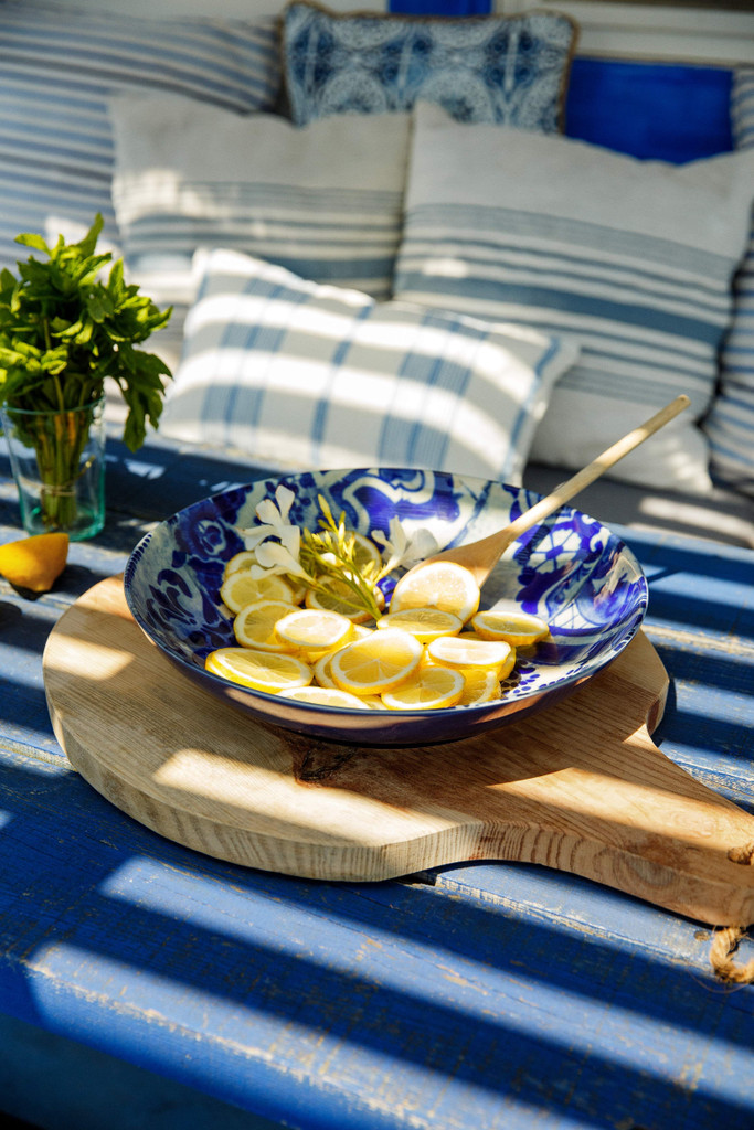 Lisboa Round Serving Bowl table example with lemons