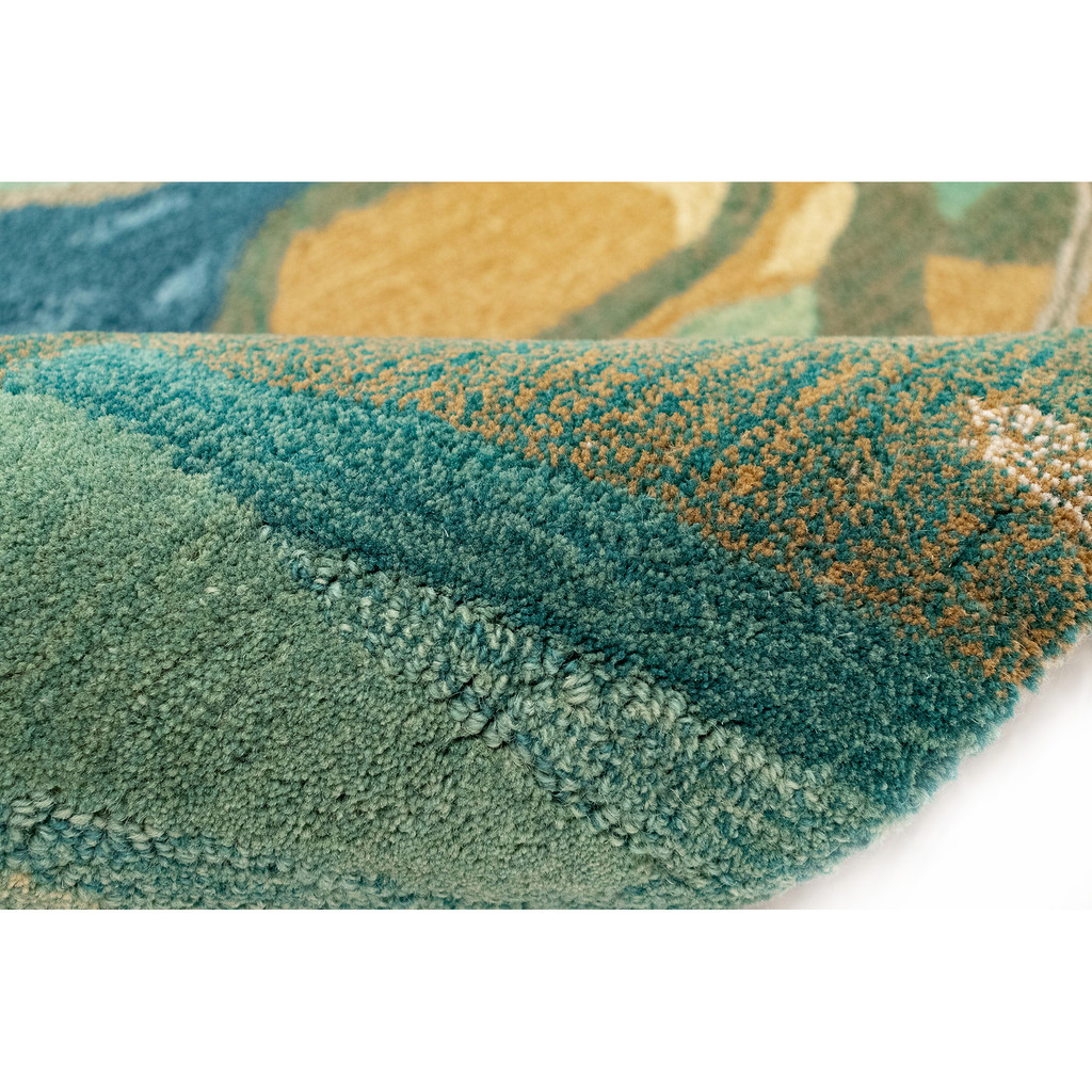 Blue Panorama Shore Hand-Tufted Wool Rug close up tufting