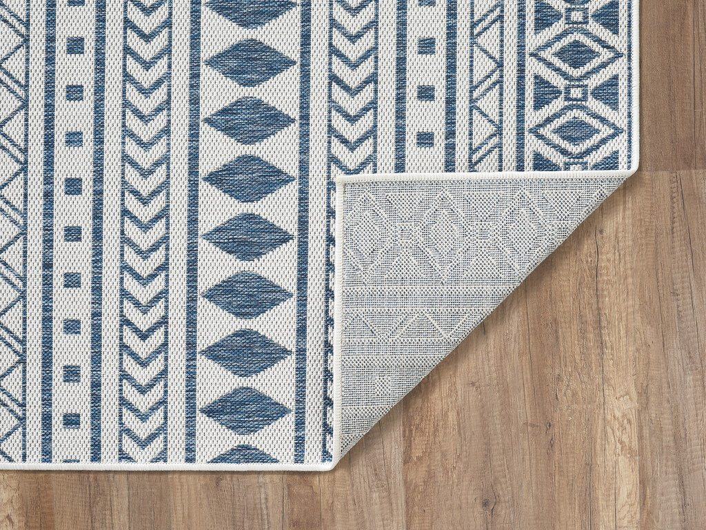 Blue Surfer's Beach Indoor-Outdoor Area Rug backing and edge
