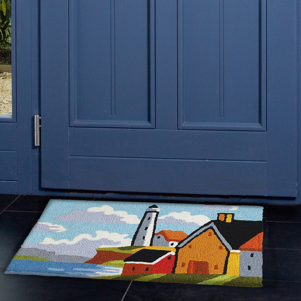 Lighthouse Bluff Accent Rug front door view