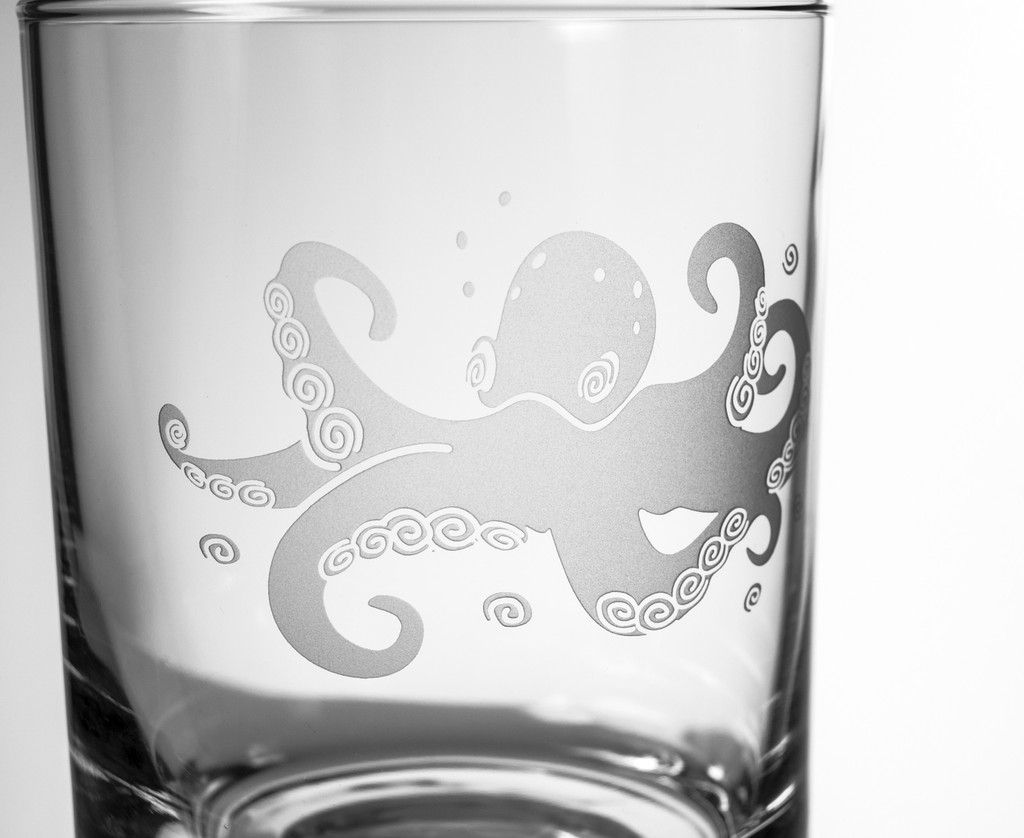 Octopus Etched Double Old Fashioned Set of 4 Glasses close up details
