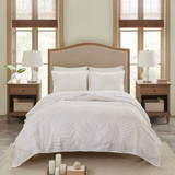 Bahama Palms Tufted Chenille Queen Coverlet Set room 1