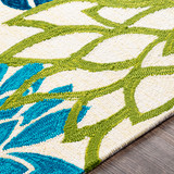 By the Sea Bright Blooms Hand-Hooked Area Rug edge
