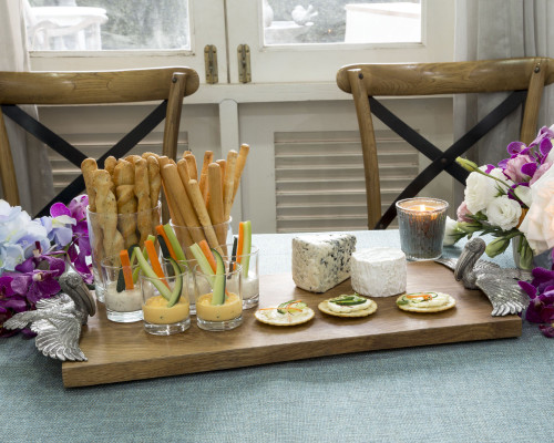 Flying Pelican Cheese Board table example