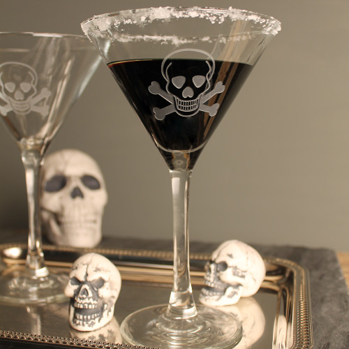 Skull and Cross Bones Martini Glasses styling image