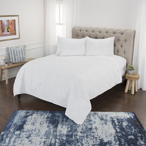 Simpson White 3-Piece Queen Size Quilted Set
