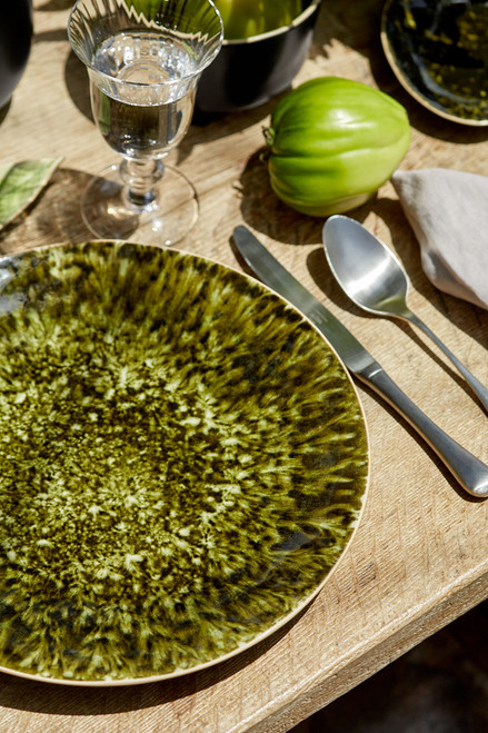 Riviera Charger Plate - Forest lifestyle