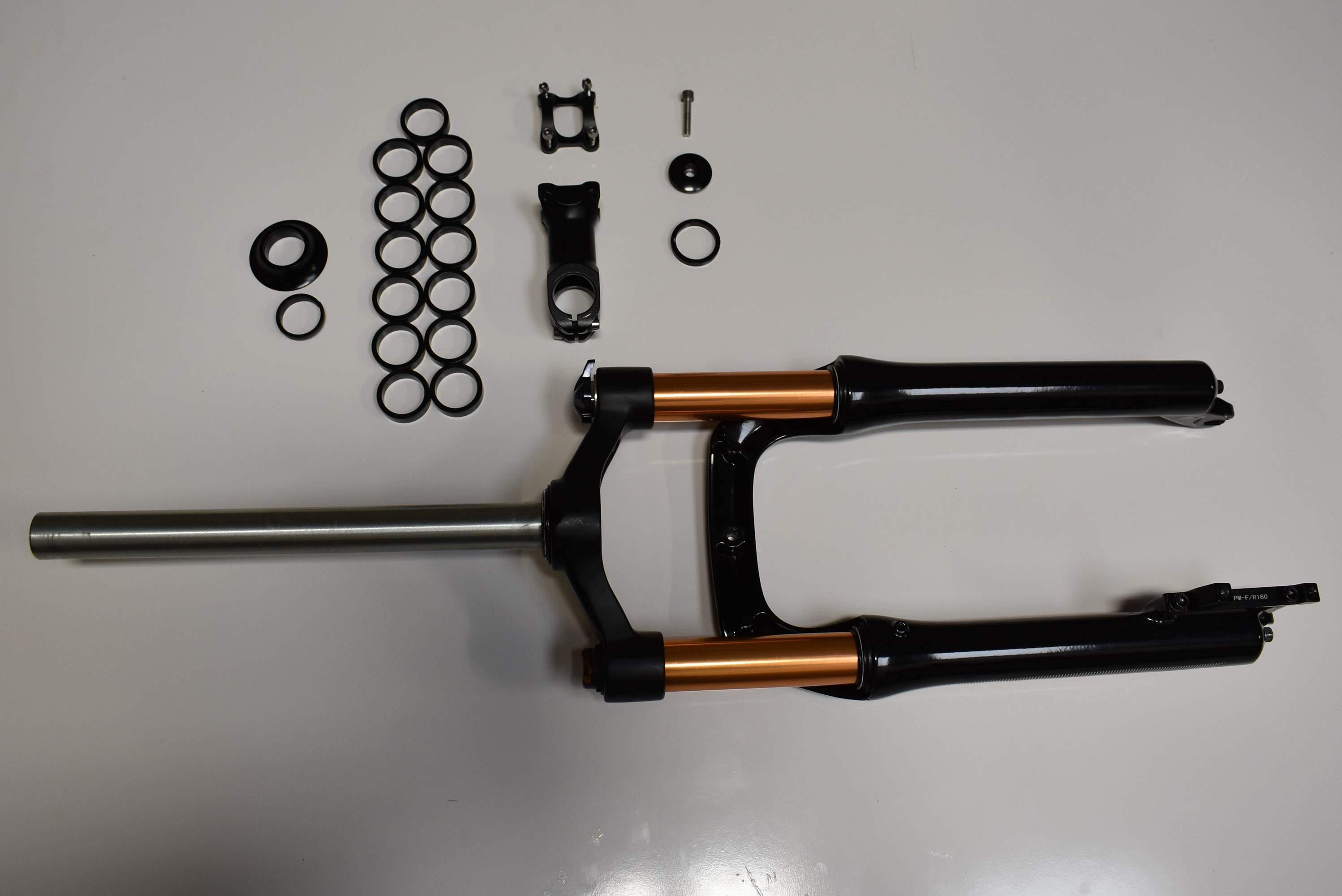 """FT750-20 20"""" Fork With Spacers and mounting hardware."""
