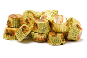 Hershey peanut butter cups pile