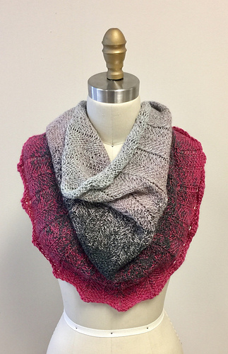 Complimentary Concentric Chevron Cowl Pattern from HiKoo