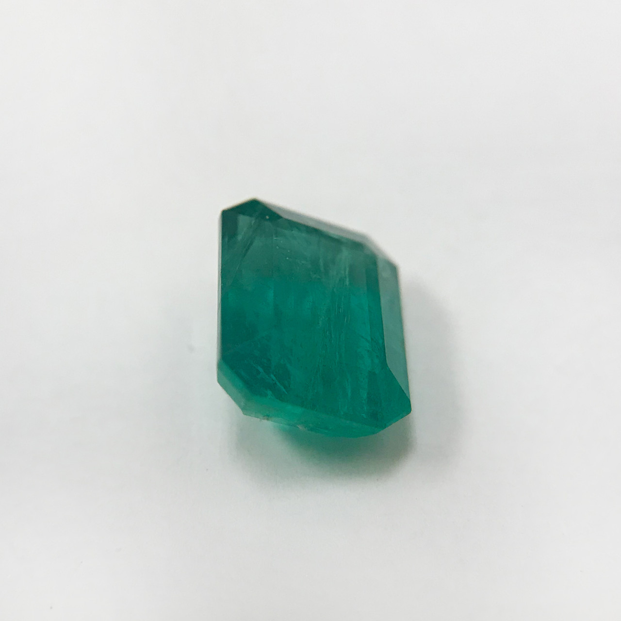 9.5mm x 7.5mm Natural Green Emerald Gemstone