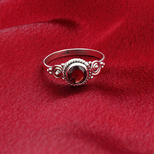 Sterling Silver Garnet Gemstone Bali Design Solitaire Ring