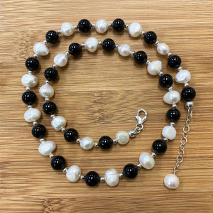 onyx and Freshwater Pearl collar Necklace