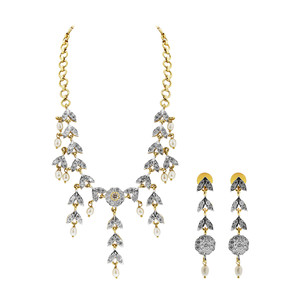 Gold Plated Pearls and Glass Earrings Necklace Set