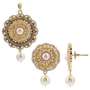 Gold Plated Antique Finish Simulated Pearl Flower Bollywood Indian Earrings Pendant Set