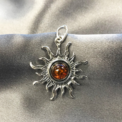 925 Silver Beautiful Blazing Sun Ray Amber Star Pendant
