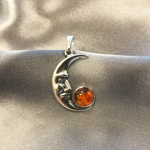 925 Silver Intricate Detailed Moon Face Pendant