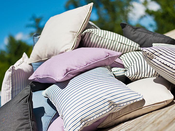 garden-cushions.jpg