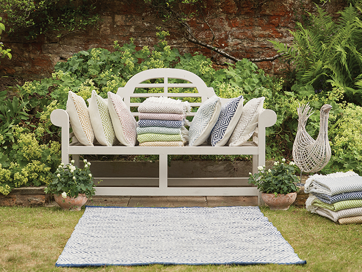 outdoor-cushions-rugs.jpg