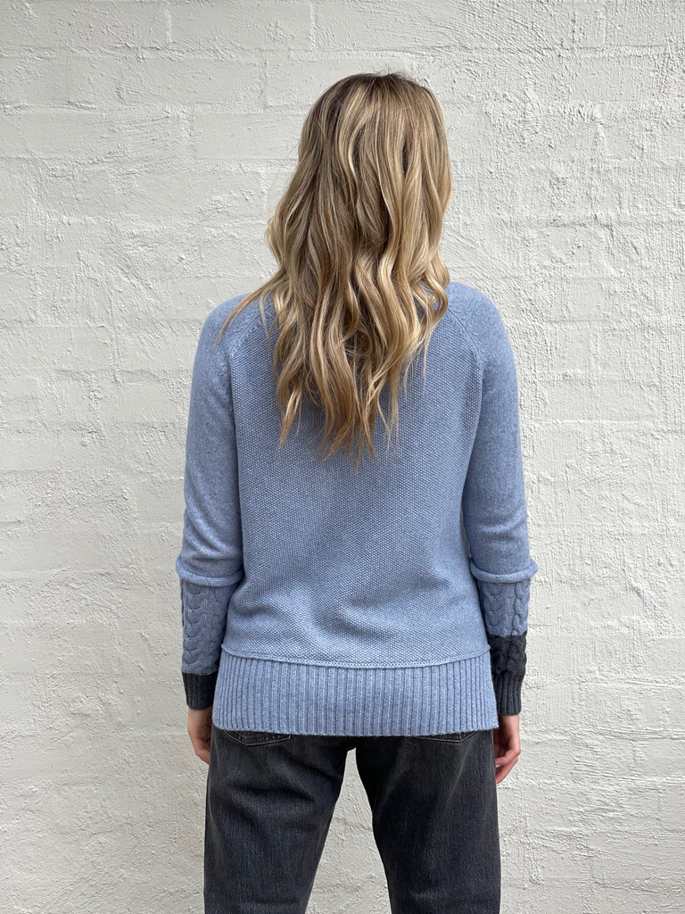 JEANS CABLE CUFF SWEATER
