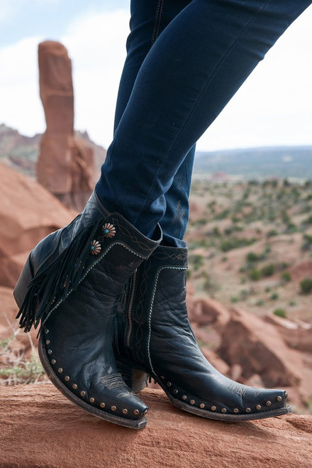 DDBL018-1 Double D Ranch Apache Kid Black Concho Ankle Boots
