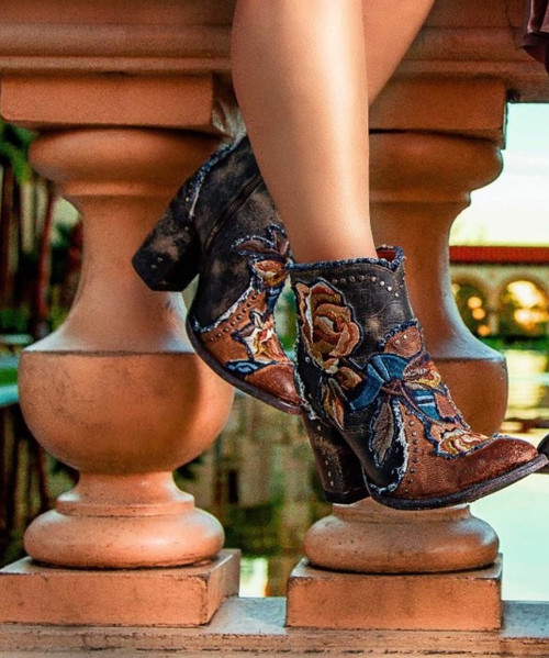 BL3184-2 OLD GRINGO CARLA SHORT SADDLE BLUE EMBROIDERED FLORAL BOOTS