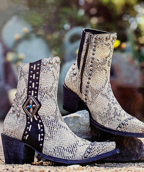 DDBL045-2 DOUBLE D RANCH FOUR WINDS WHITE BLACK SNAKE PRINT TURQUOISE ANKLE BOOTS
