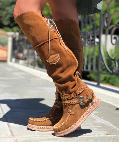 EL VAQUERO Huntress Carmel Silverstone Mou Boho Wedge Moccasin Leather Boots