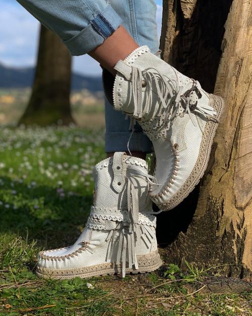 EL VAQUERO Arya Mocc Kalahari White Python Print Wedge Moccasin Boots