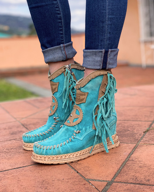 El Vaquero Dany Silverstone Marine Turquoise Hidden Wedge Moccasin Leather Boots