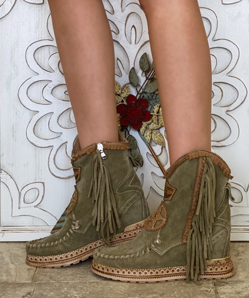 El Vaquero Dany Silverstone Olive Hidden Wedge Moccasin Leather Boots