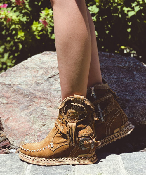EL VAQUERO Lyanna Silverstone Mou Carmel Leather Wedge Moccasin Boots