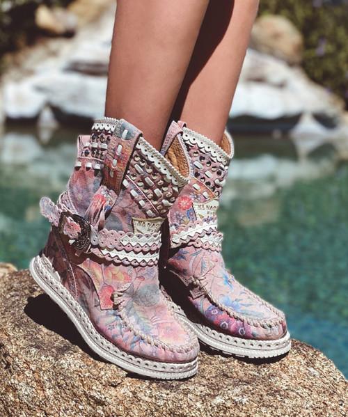 EL VAQUERO Yara Freedom Pink Wedge Moccasin Boots