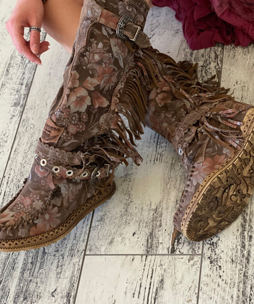 EL VAQUERO Justine Freedom Land Leather Wedge Moccasin Boots