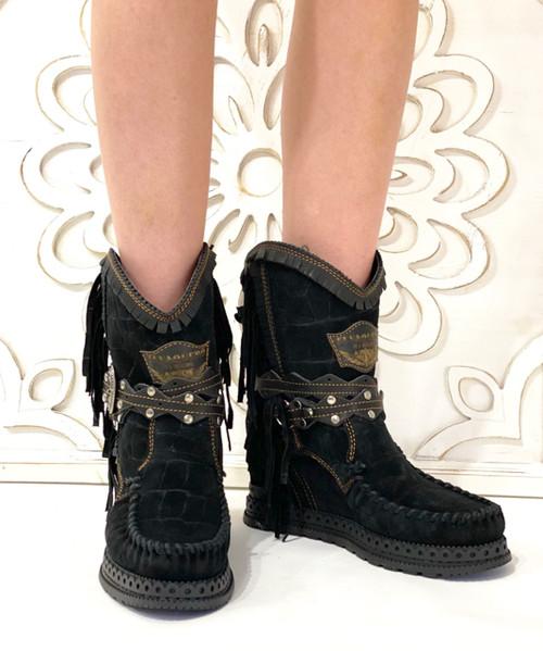 EL VAQUERO Arya Mocc Nero Black Crocus Dark Wedge Moccasin Boots