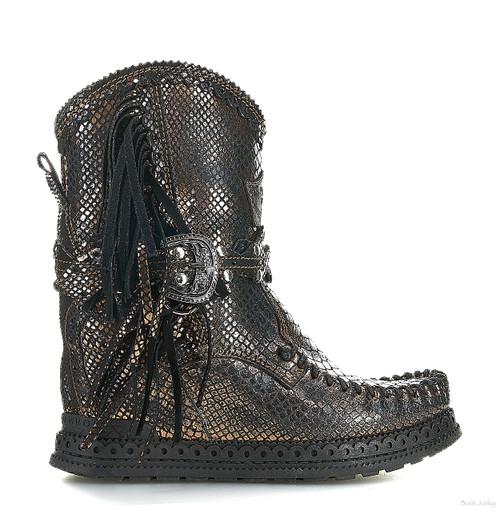 EL VAQUERO Arya Mocc Snakeling Bronze Wedge Moccasin Boots