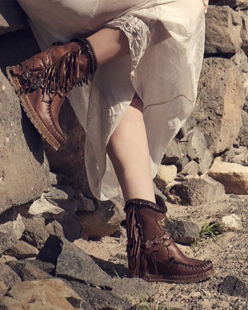 EL VAQUERO Arya Aged Cognac Wedge Moccasin Boots
