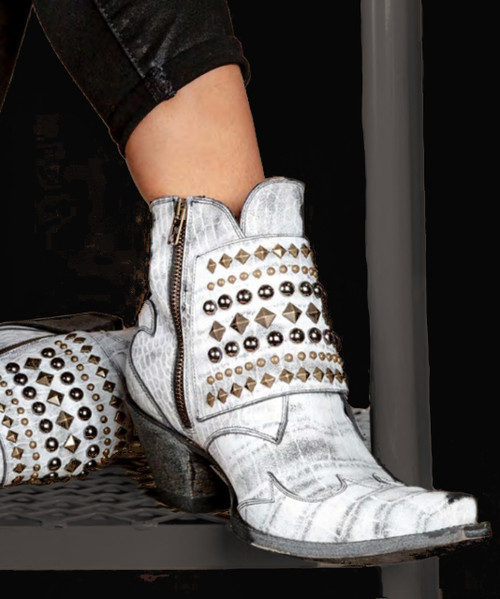 BL3424-2 OLD GRINGO BRIENNE COCONUT DISTRESSED WHITE RIVETED ANKLE BOOTS