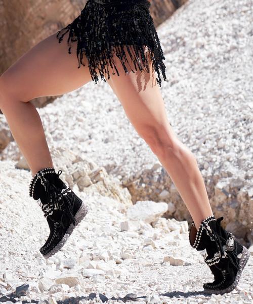 EL VAQUERO Arya Mocc Silverstone Bi LIght Black & White Wedge Moccasin Boots