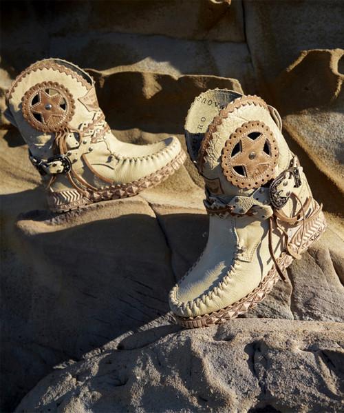 EL VAQUERO Nora Tribal Ivory 2 Tone Fringe Ankle Boots