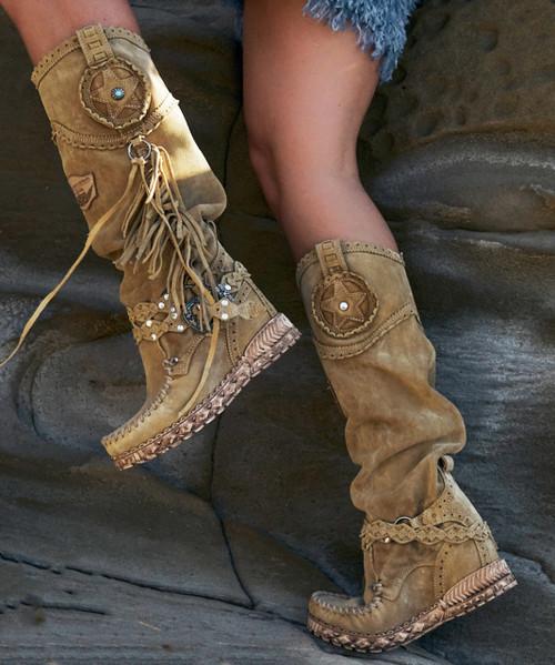 EL VAQUERO Syria Silverstone Beige Wedge Moccasin Leather Boots