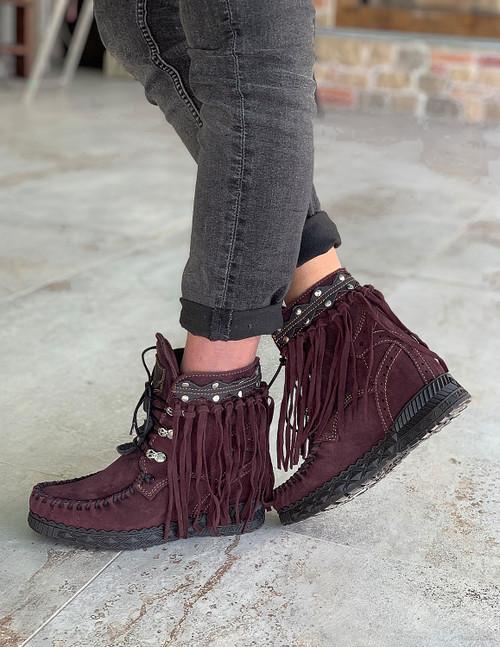 EL VAQUERO Grace Silverstone Wine Purple Fringe Ankle Boots