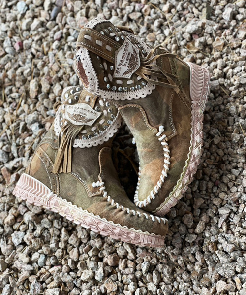 EL VAQUERO Phoebe Kamo Hunt Leather Wedge Moccasin Boots