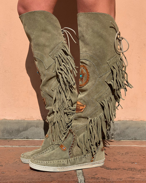EL VAQUERO Dakota Wornout Olive Leather Wedge Moccasin Boots
