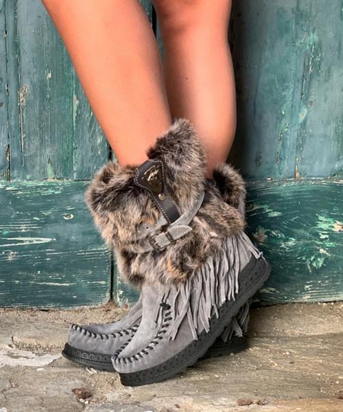EL VAQUERO Martha Fur Silverstone Plomo Charcoal Wedge Moccasin Boots