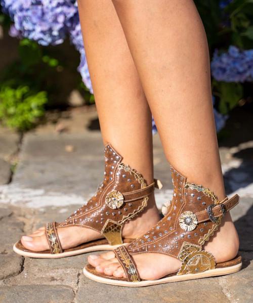 EL VAQUERO Naia Apex Tan Leather Flat Sandals