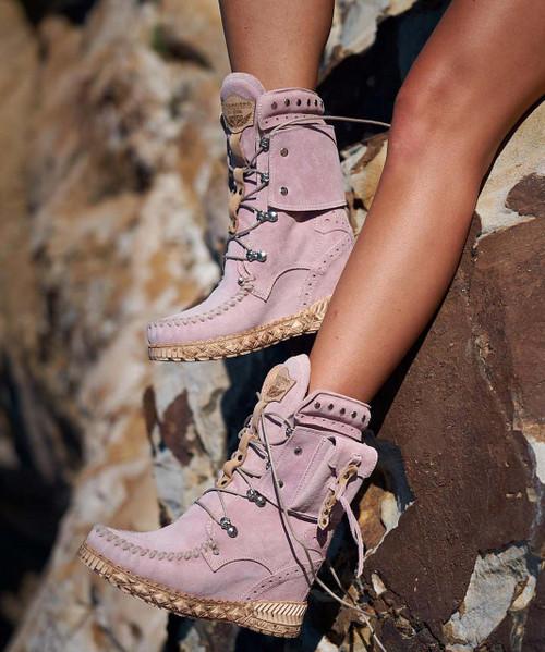 EL VAQUERO Nikila Indiana Cipria Pink Mocc Boots